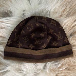 RARE Louis Vuitton cashmere and silk knit beanie!